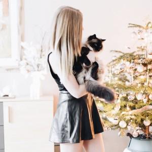 Throw to Christmas with my little tiger  austrianblogger viennabloggerhellip