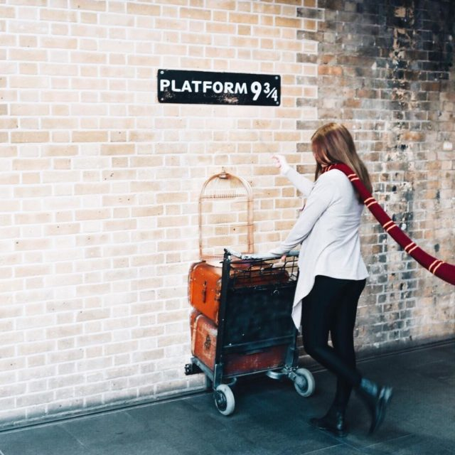 Going to Hogwarts  gryffindor hogwarts happygirl